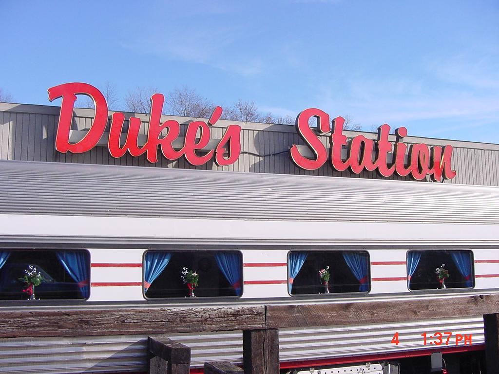 DUKE'S STATION