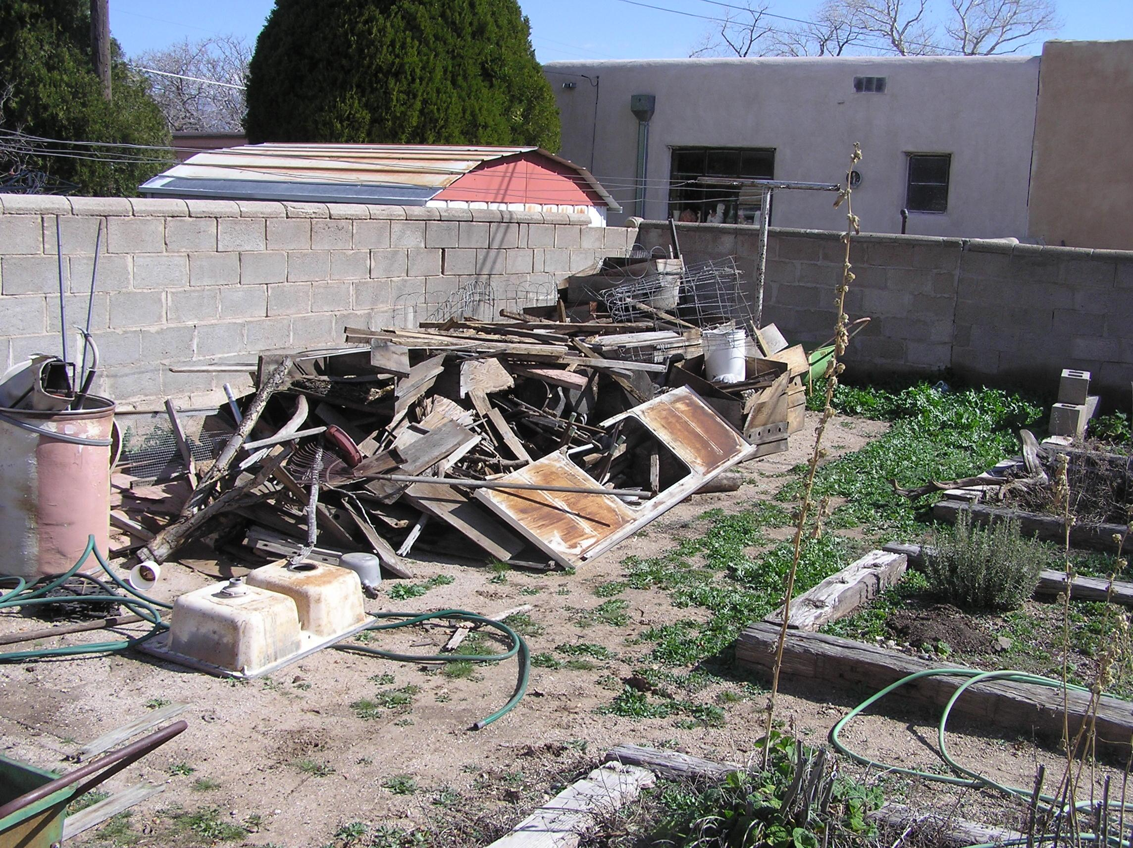 Large Yard Clean Up for 24/7 Haul Junk Removal