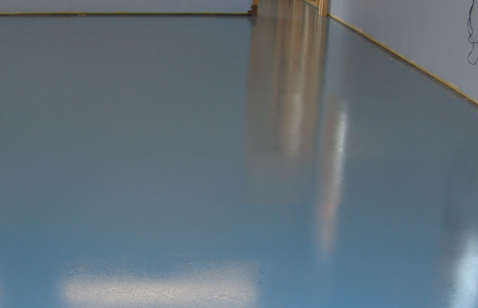Thin Mil Solid Color Epoxy Floor